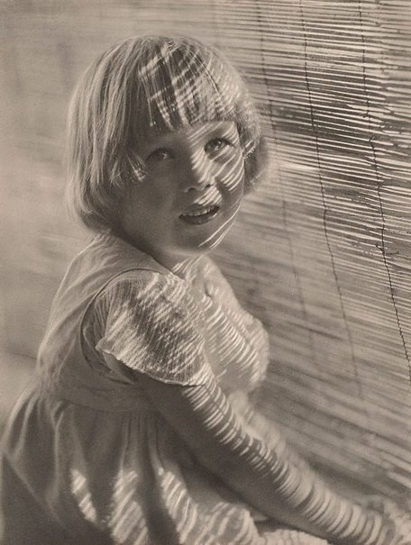 The bamboo blind, (1915) by Harold Cazneaux – Art Gallery NSW