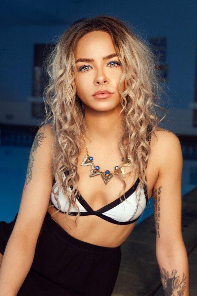 Woman, blonde, female and tattoo HD photo by Atikh Bana (2016)
